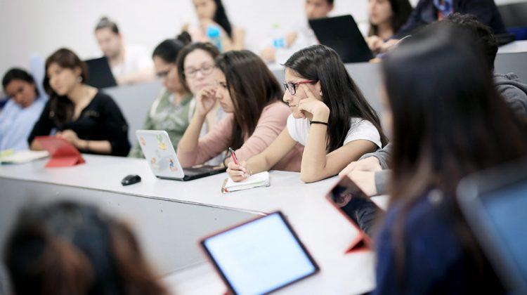 Mesa redonda: Diseñar para transformar la experiencia del aprendizaje